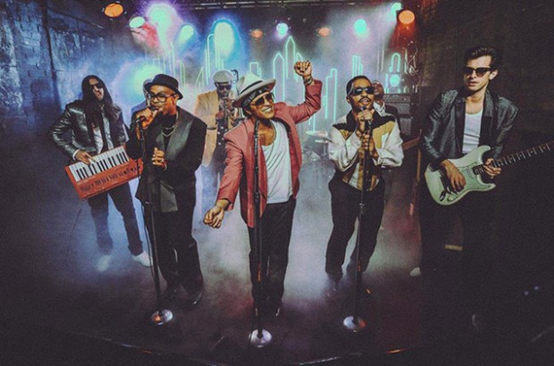 'Uptown Funk' UK's Top Song of 2015