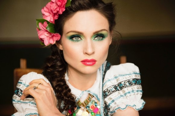 Sophie Ellis-Bextor Heads Out On A 'Familia' UK Tour