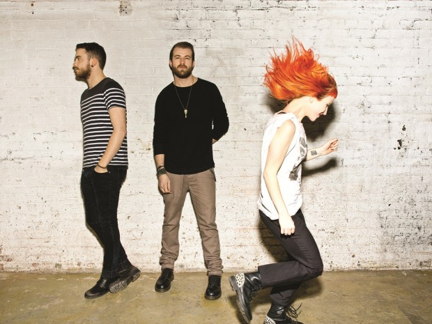 READING FESTIVAL: Power Outage Halts Paramore