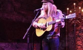 Stu Larsen: The Caves, Edinburgh –13/03/2014