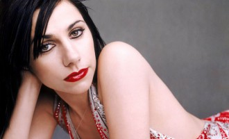 PJ Harvey Set To Release First Poetry Collection