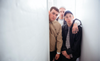WATCH: DMA's – 'Play It Out'
